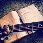 Leer je eigen songs schrijven onder begeleiding van de pro's bij Zangstudio Nanda Akkerman